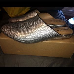 ComfortView Silver Mules. SIZE 10 WIDE.